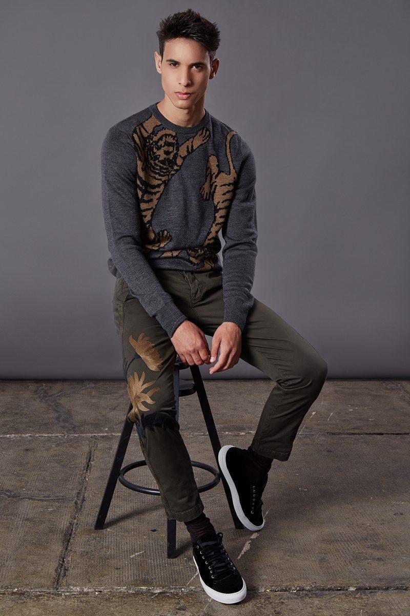 Sweater and trousers Antony Morato, socks Sara Borghi, shoes Watson&Parker