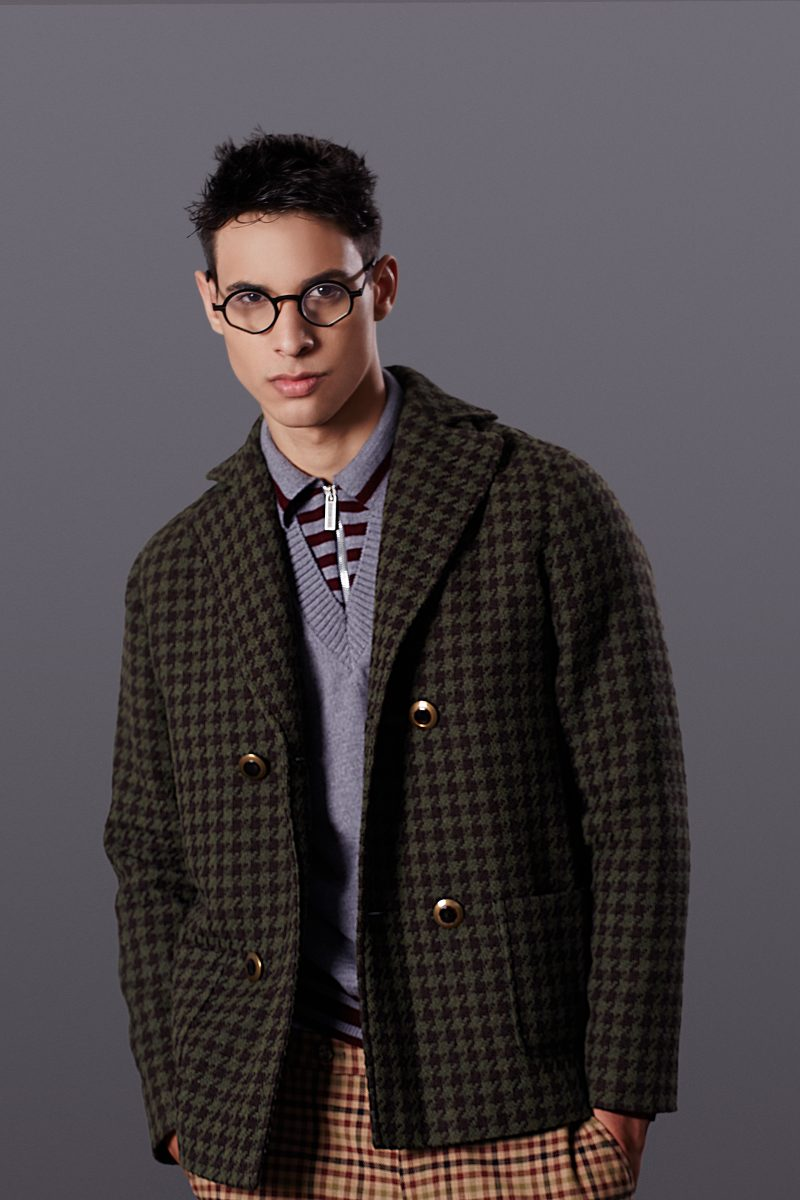 Coat Doppiaa, sweater Bikkembergs, trousers Entre Amis, glasses Pugnale, shoes Rucoline