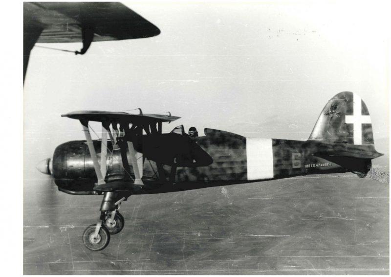 cr 42 falco biplano