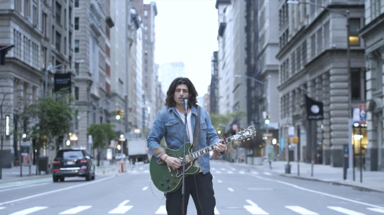 Edo Ferragamo: il video musicale a sostegno della Croce Rossa Italiana