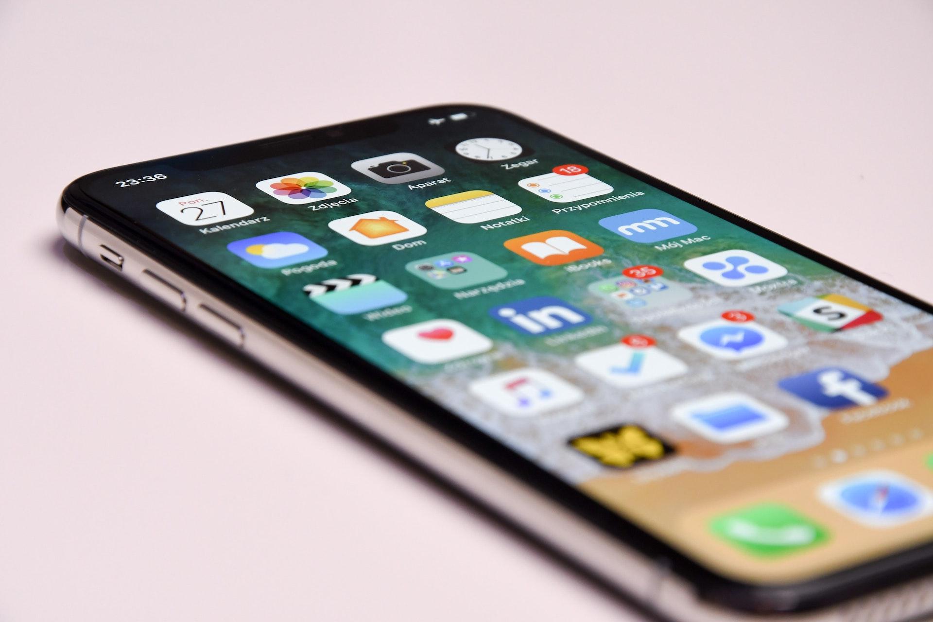 Disinfettare lo smartphone: come e quando farlo