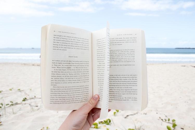 5 libri per l'estate da leggere tutti d'un fiato