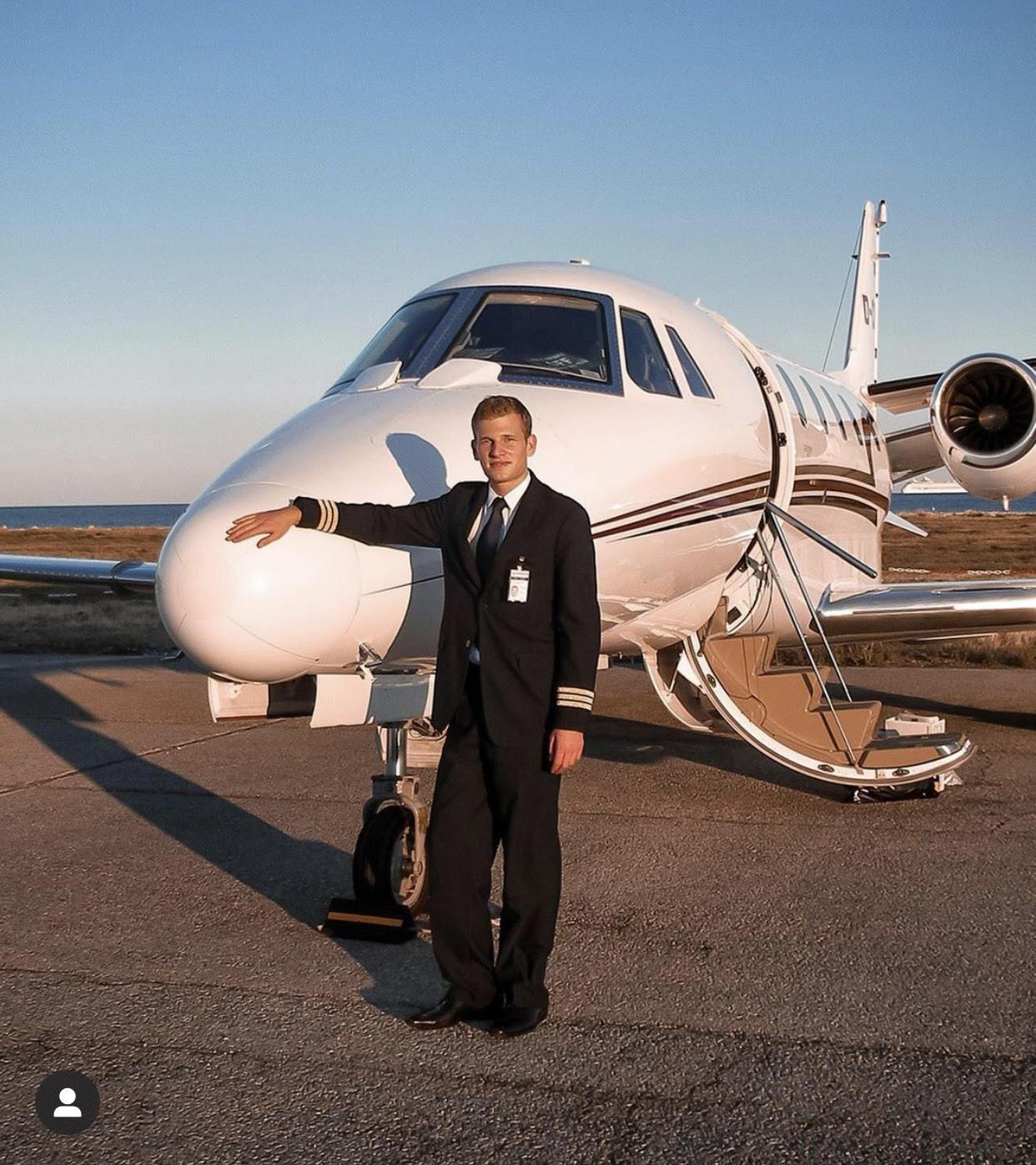 Patrick Biedenkapp: il pilota che invita i followers a volare sempre verso i propri sogni