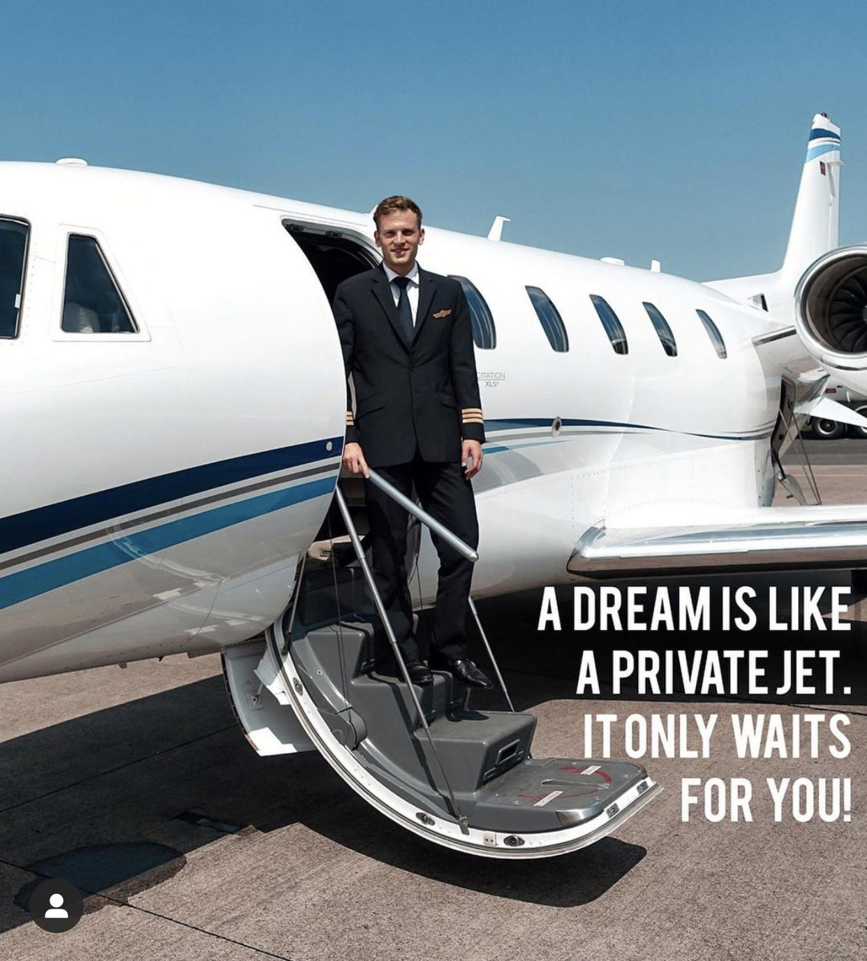 Patrick Biedenkapp: the pilot who invites his followers to fly towards their dreams
