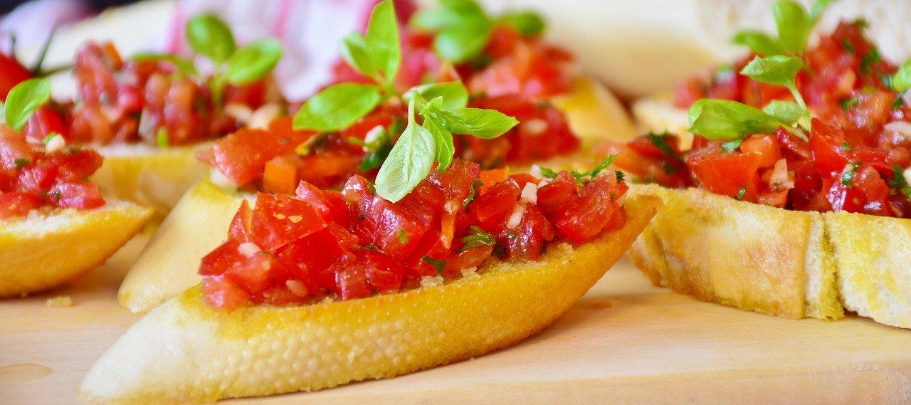 Chef in Town: how to make the true Italian bruschetta