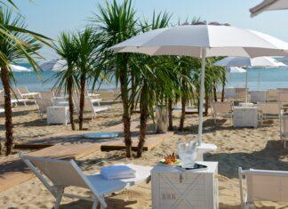La spiaggia privata dell'Hotel Excelsior