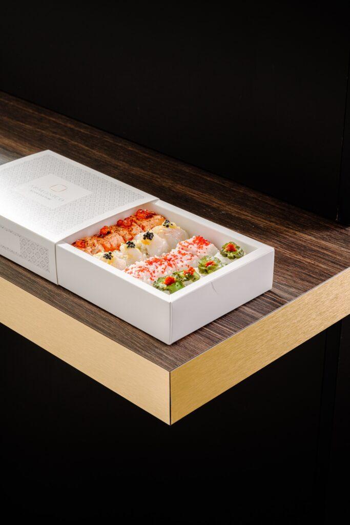 Armonico Sushi Culture: box degustazione uramaki Sixteen Special