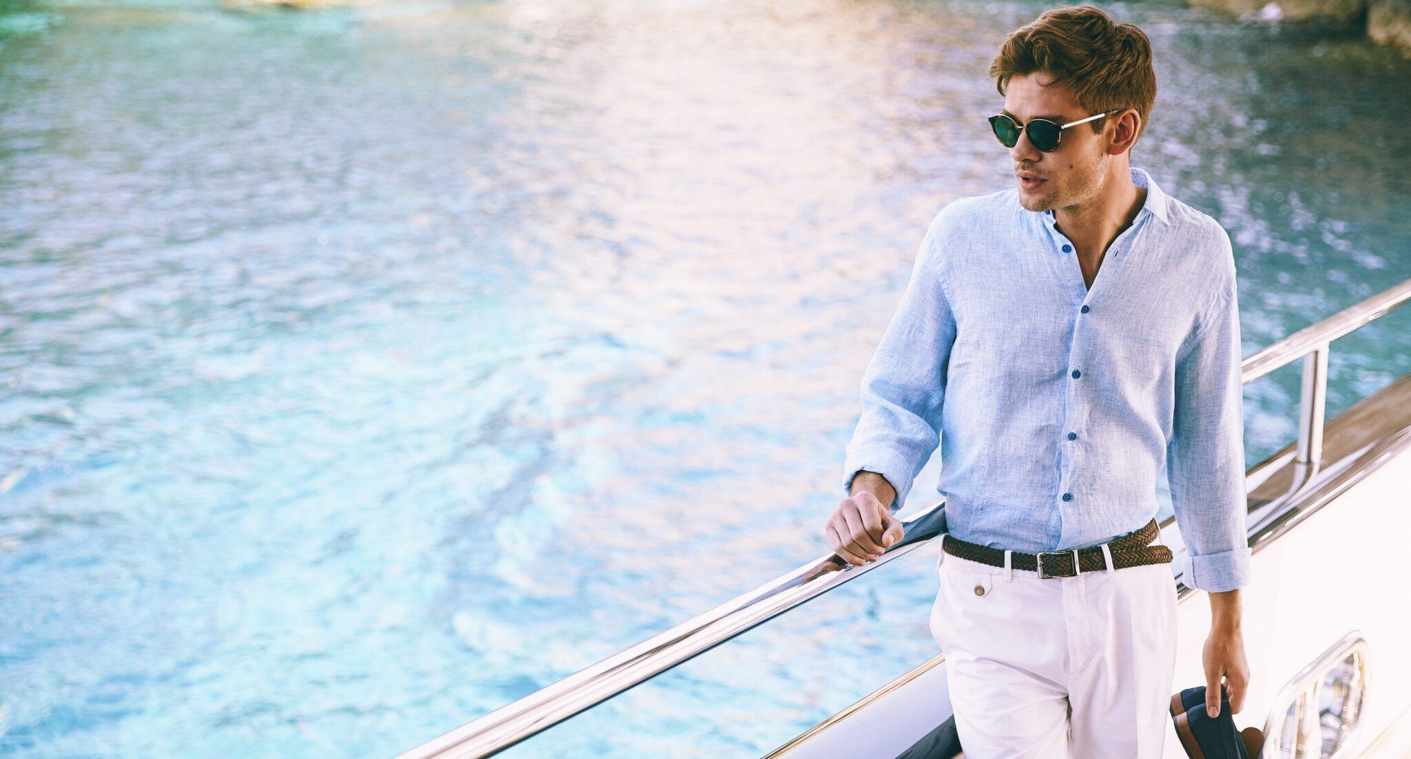 La camicia di lino, il capo passepartout che non può mancare nel guardaroba estivo