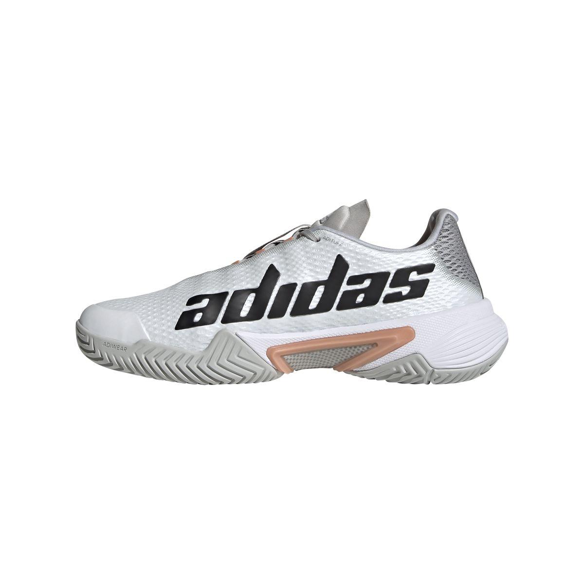 Il marchio Adidas sul lato interno delle nuove Barricade