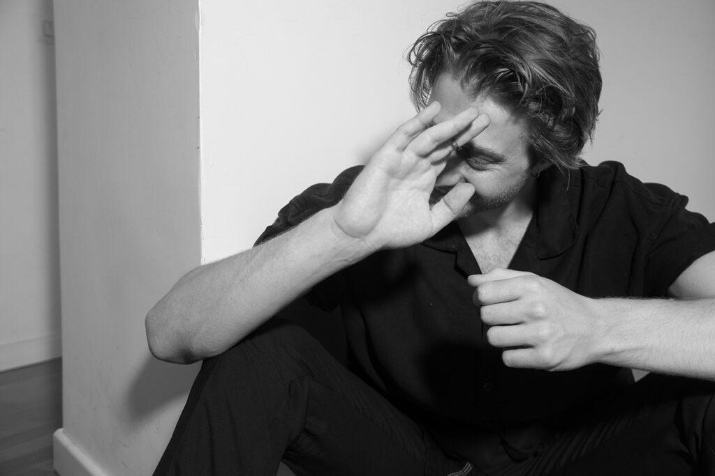 Primo piano dell'attore Michele Ragno, al cinema con School of Mafia