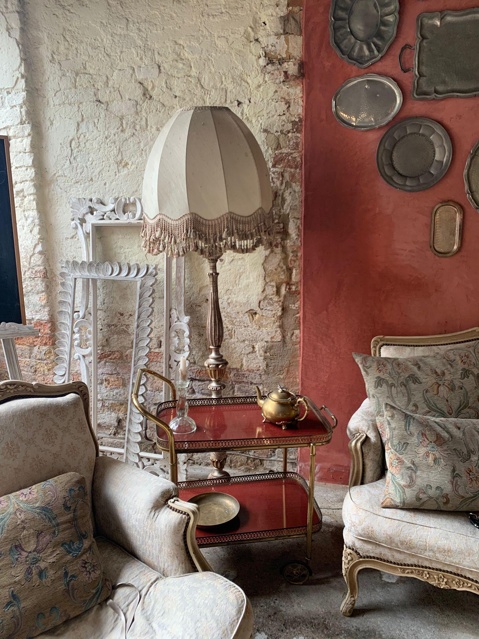 Il salottino del casale presso il Glamping Canonici di San Marco