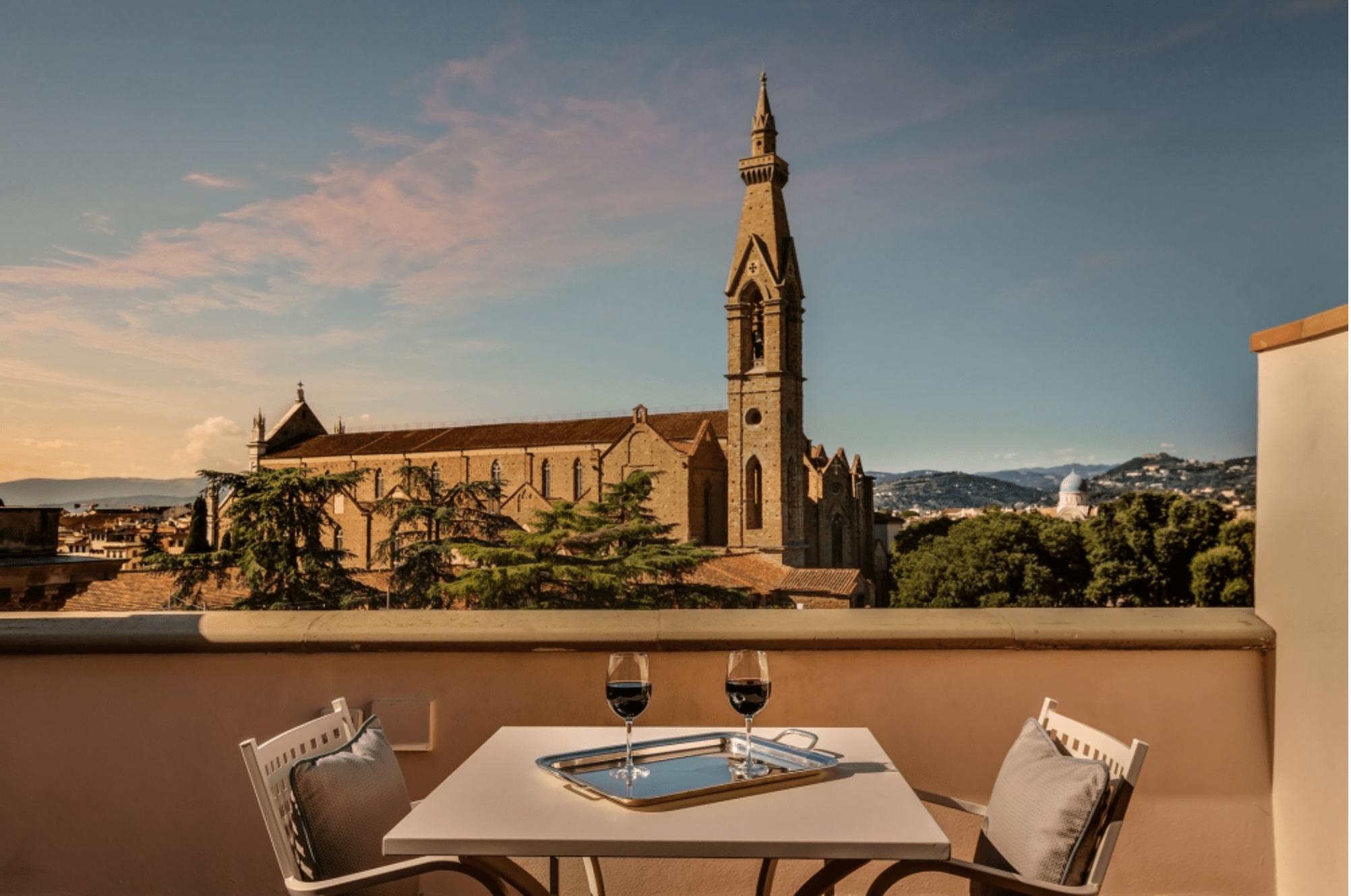 Tra storia, mondanità e letteratura.  Uno dei primi luoghi dell'hospitality fiorentina: il Plaza Hotel Lucchesi