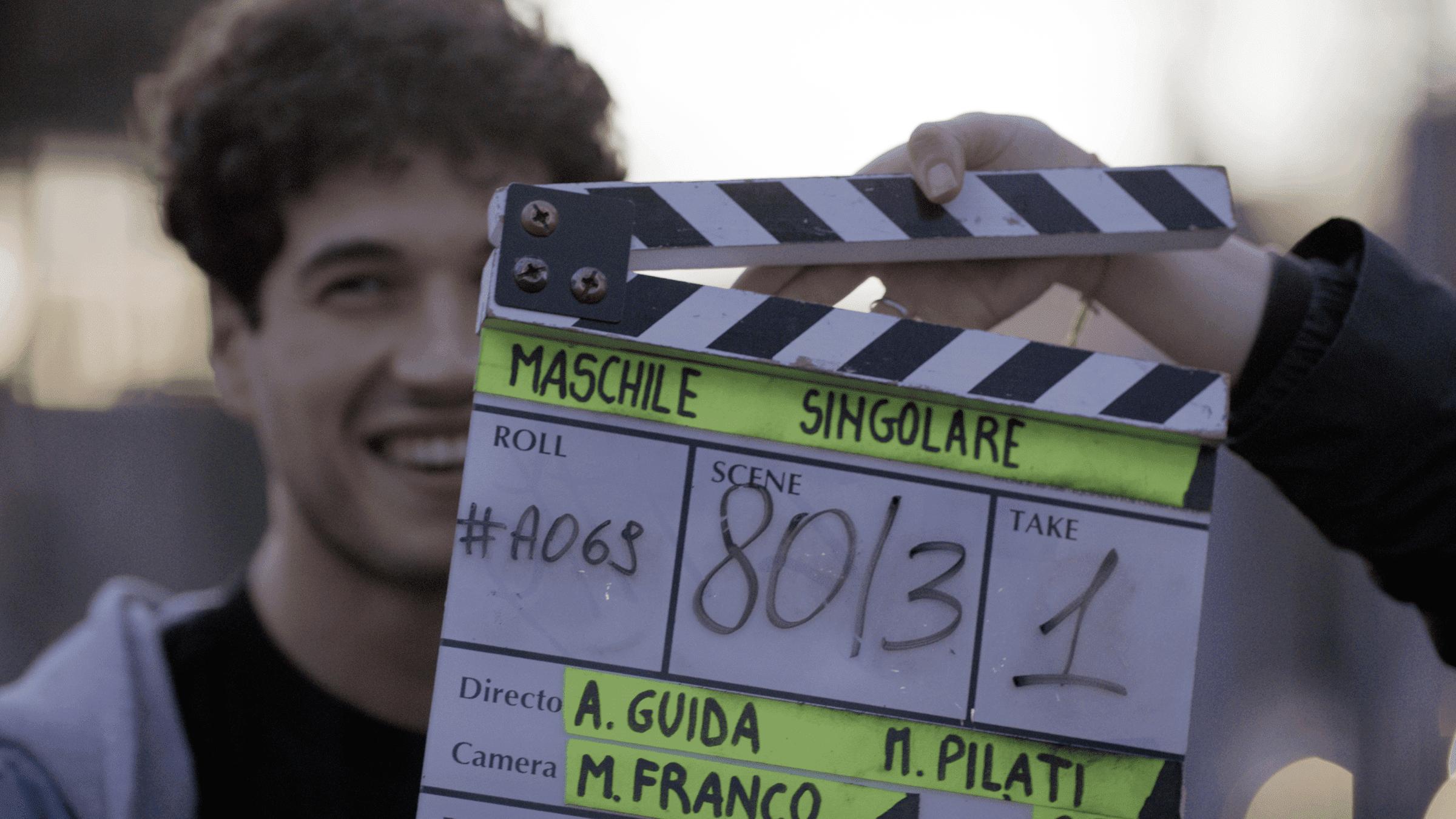 Maschile Singolare: per la regia di Matteo Pilati ed Alessandro Guida, la loro storia