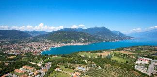 Un bellissimo scorcio del Lago di Garda fotografato da Moniga.