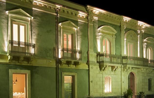 La facciata del Resort Shalai di Linguaglossa