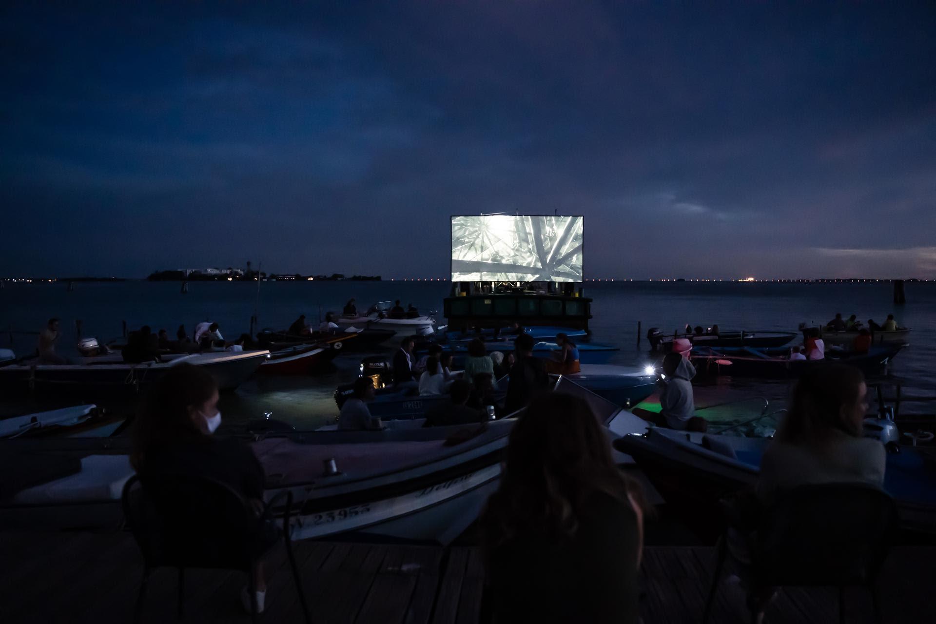 Torna Floating Cinema – Unknown Waters, il cinema all'aperto della laguna veneta