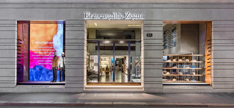 La boutique Zegna in via Montenapoleone a Milano