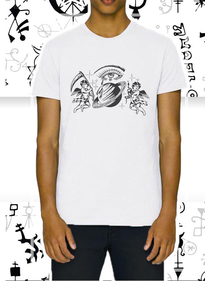 La t-shirt bianca Angel and Demon della collezione ecosostenibile firmata da Lorenzo Sabatini