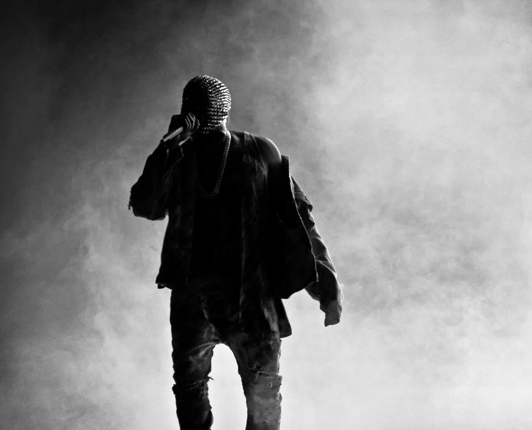 Tra listening party, Balenciaga e musica: è uscito DONDA, il nuovo disco di Kanye West.